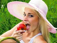 Diş sağlığı için çikolata değil meyve yiyin!