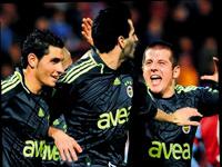 Fenerbahçe 4'te 4 peşinde