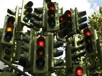 Niçin trafik lambaları kırmızı, sarı ve yeşildir?