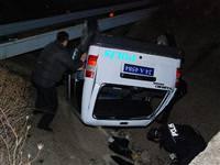 Polis otosu tokla attı