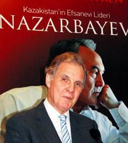 Nazarbayev'in hayatı Türkçe'de
