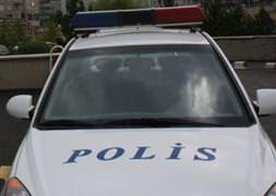 Yüksekova'da emniyet araçları kaza yaptı