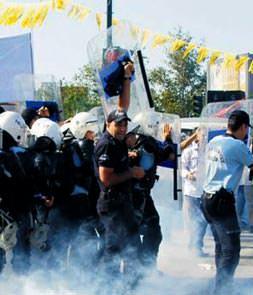 Çevik Kuvvet polisine 'nazik olun' uyarısı...