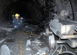 2 madenciye 8 ay sonra ulaşılabildi