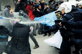 Öğrenci-polis çatışması
