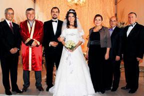 Profesörler evlendirdi