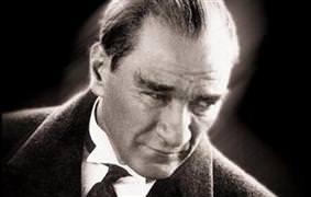Atatürk'ün evini soydular