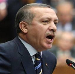 Erdoğan: Fırsatçılık ve seviyesizlik