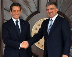 Sarkozy köşke çıktı