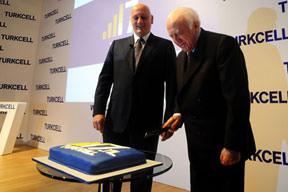Turkcell'in 2010 kârı 1.8 milyar TL oldu