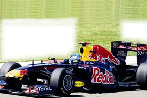 Vettel yine kanatlandı