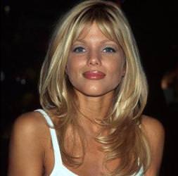 Playboy kızının tuhaf Ağrı iddiası