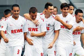 Köln deplasmanda Leverkusen'i dağıttı
