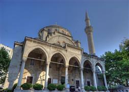 Şişli Camii'ne de gökdelen gölgesi düştü