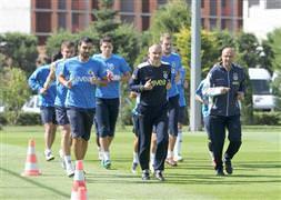 Fenerbahçe, İstanbul B.B. hazırlıklarına başladı