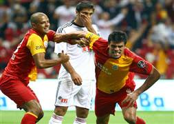 Galatasaray'a Alex kıyağı