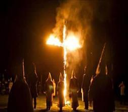 Ku Klux Klan geri döndü!