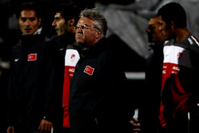 Hiddink'in yerine Avcı