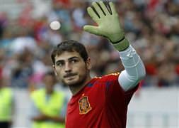 Casillas, Zubizarreta'yı geçti