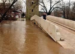 Tunca Nehri taşmaya başladı