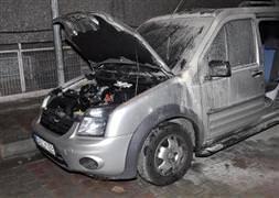 İstanbul'da 22 araç kundaklandı