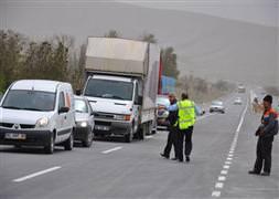 Konya karayolu ulaşıma kapandı