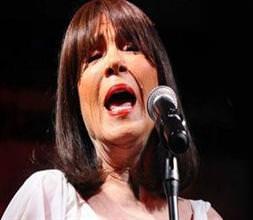 Ünlü şarkıcıyı kaybettik!