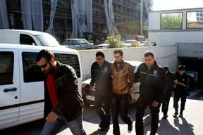 Patlayıcıya 3 tutuklama