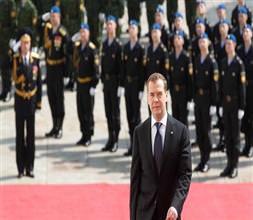 Dmitri Medvedev resmen başbakan!