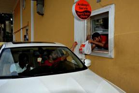 Arabaya servis Adana kebabı
