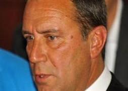 Adnan Öztürk istifa etsin