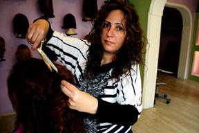 'Kadınlar parasızlıktan saçlarını satıyorlar'
