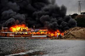 19 tekne kül oldu