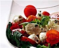 Mozzarella Peynirli Salata