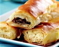 Kıymalı, Peynirli Ve Patatesli Açma Börek Tarifi