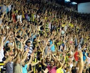 Fenerbahçe taraftarı büyük destek verdi