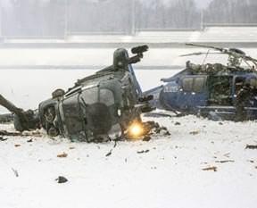 İki helikopter çarpıştı