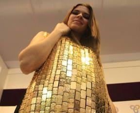500 bin $'lık elbiseye