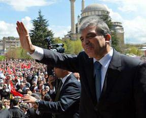 Abdullah Gül'den 23 Nisan mesajı!