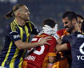 Volkan&Sabri'ye 3'er maç ceza!