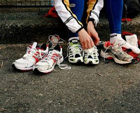Spor ayakkabısına standart geliyor