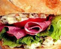 Soğanlı Ev Ekmeğinde Sandviç