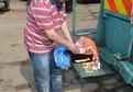 25 bin liralık altını yanlışlıkla çöpe attı
