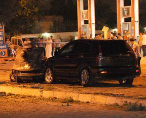 AK Parti konvoyuna bombalı saldırı