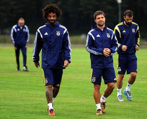 Alves, Diego Ribas'ı öve öve bitiremedi