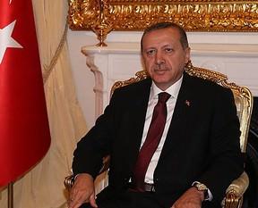 Erdoğan frak giyecek mi?
