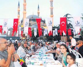 Selimiye'de iftar vakti