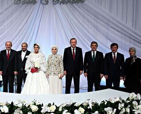 Devletin zirvesini buluşturan düğün