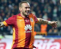 Galatasaray'ın yıldızı Manchester yolunda!