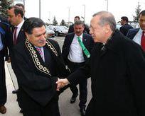 Erdoğan'ı kapıda karşıladı
